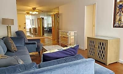 Bedroom, 370 E 76th St, 0