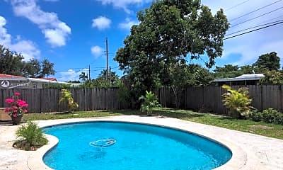 Pool, 529 N Crescent Dr, 2