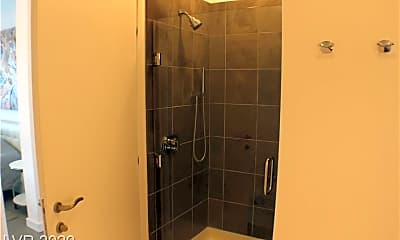 Bathroom, 200 Hoover Ave 1204, 2