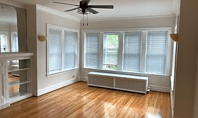 Living Room, 5648 N Spaulding Ave, 0