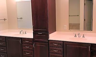 Bathroom, 525 3rd St N 307, 2