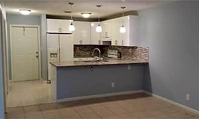 Kitchen, 4390 Riverside Dr, 1