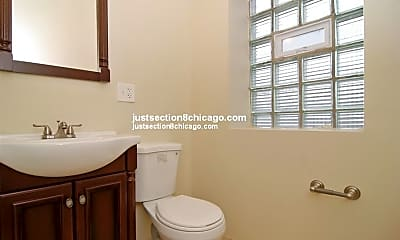 Bathroom, 5448 W Quincy St, 1