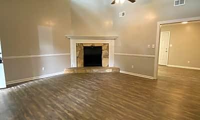 Living Room, 193 Creekwood Dr, 1