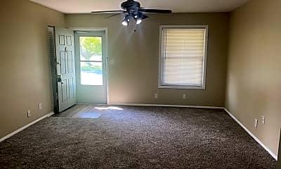 Living Room, 536 Crestwood Rd, 1
