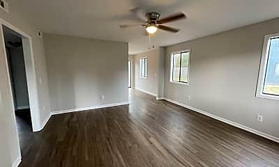 Living Room, 1313 Wellington Ave, 1
