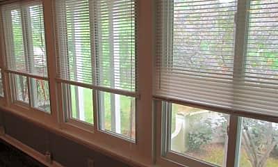 Living room89.jpg, 1302 Mercury Blvd Unit # 48, 1