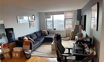 Living Room, 41-40 Union St 18K, 0