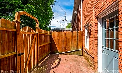 Patio / Deck, 638 Chipley Ave 4, 2