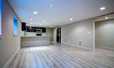 Living Room, 806 N 48th St, 1