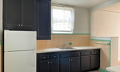 Kitchen, 947 Judah St, 1