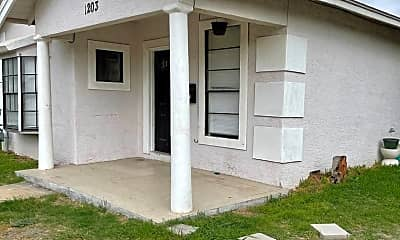 Building, 1203 Lamar St, 1
