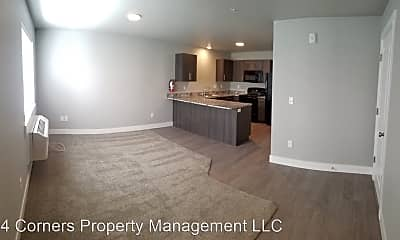 Kitchen, 398 Pioneer Rd, 1