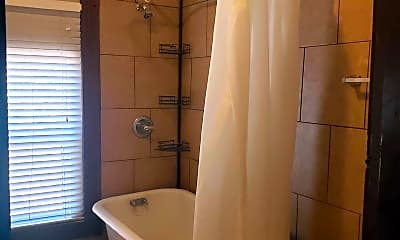 Bathroom, 617 Prospect St 2, 2
