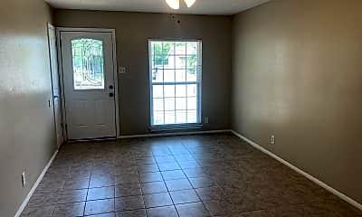Living Room, 5018 Swann Ln, 1