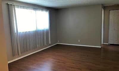 Living Room, 1510 S McKinley St, 1