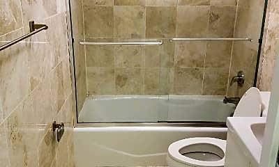 Bathroom, 140 W 19th St, 1