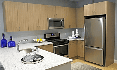 Kitchen, 124 Park Plaza Dr, 1