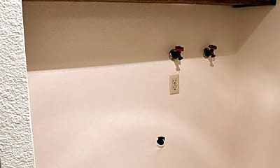 Bathroom, 3314 NE Lancaster St, 2