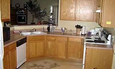 Kitchen, 7070 Mountain Creek Grv, 1