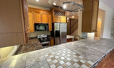 Kitchen, 1315 Park Rd NW 21, 1