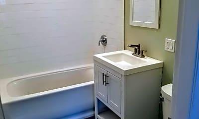 Bathroom, 31 Thornton St, 1
