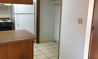 Kitchen, 901 Royal Ct, 1