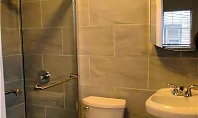 Bathroom, 105-20 Princeton St, 2