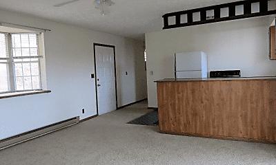 Living Room, 6 Circle Dr, 1