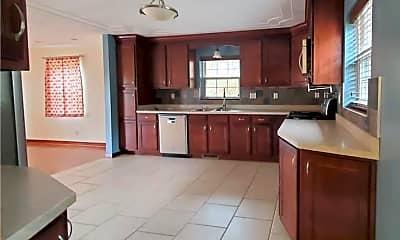 Kitchen, 412 Bluff St, 1