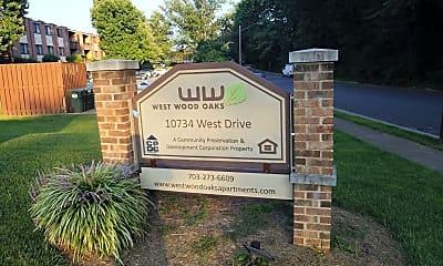 West Wood Oaks, 1