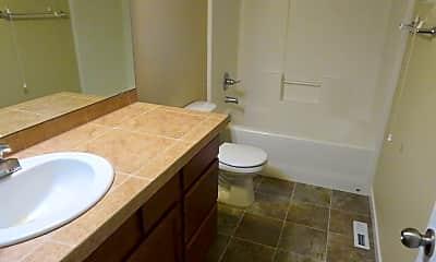 Bathroom, 1676 Burnside Pl, 2