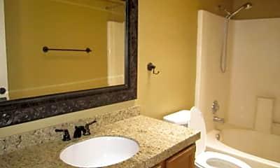 Bathroom, 3640 N 38th St 206, 2