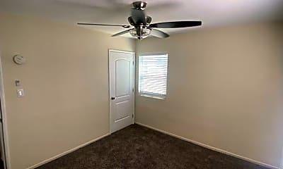 Living Room, 810 Nancy St, 2