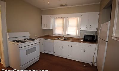 Kitchen, 643 Golfview Dr, 1
