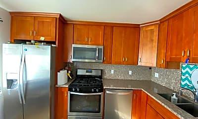Kitchen, 257 Mazey street, 2