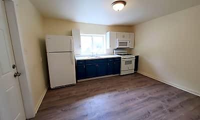 Kitchen, 412 Sapphire Way, 1