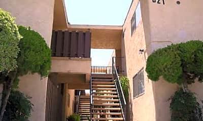 Alcazar Apartments, 1