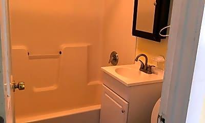 Bathroom, 121 Allen St, 1
