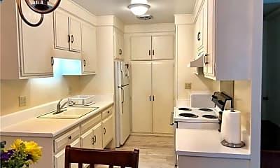 Kitchen, 2210 Via Mariposa W D, 2