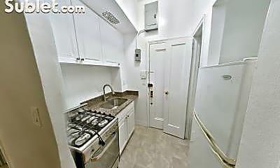 Bathroom, 1425 3rd Ave, 1