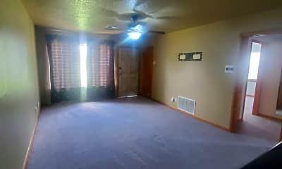 Building, 718 E Johnson St, 1