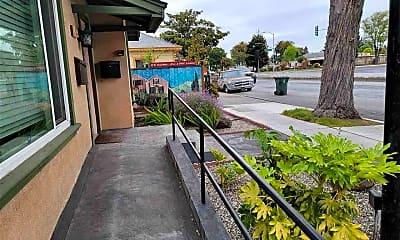Patio / Deck, 6537 Thornton Ave, 0