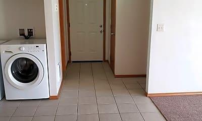 Kitchen, 1621 E 68th St, 1