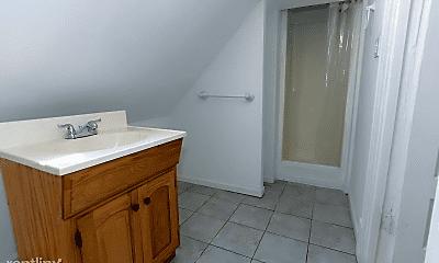 Bathroom, 3400 W McLean Ave, 2