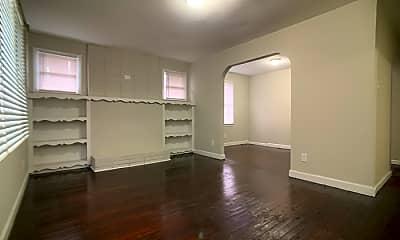 Living Room, 1505 W Horah St, 1