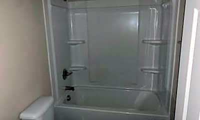 Bathroom, 2114 Malloy St 14, 2