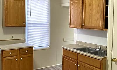 Kitchen, 1212 E Frye Ave, 1