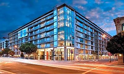 Building, Met Lofts, 1