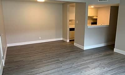 Living Room, 630 Robinhood Dr, 1